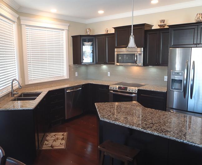 Kitchen Countertop – New Venetian Gold